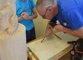 Práce se dřevem - ukázka jak pracovat s dlátem